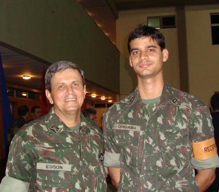coronel Edson Gomes dos Santos e o tenente-jornalista Raimundo