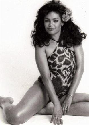 Adele Fatima Nude Photos 26