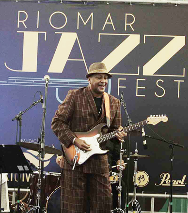 Rio Mar Jazz Fest (kenny Brown EUA)-- 25-04-14 / Foto Gleyson Ra