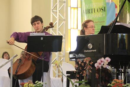 Foto: Flora Pimentel Data:  22-07-2012 Assunto: IV Virtuosi de Gravata