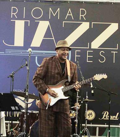 Rio Mar Jazz Fest (kenny Brown EUA)-- 25-04-14 / Foto Gleyson Ra